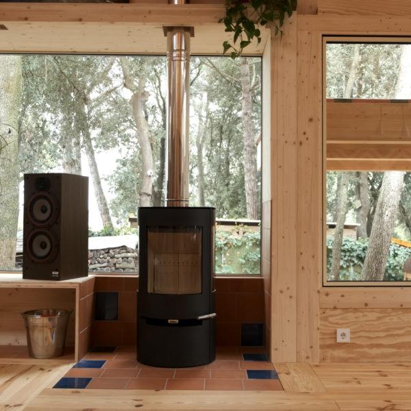 Fustech interior casa de fusta confortable
